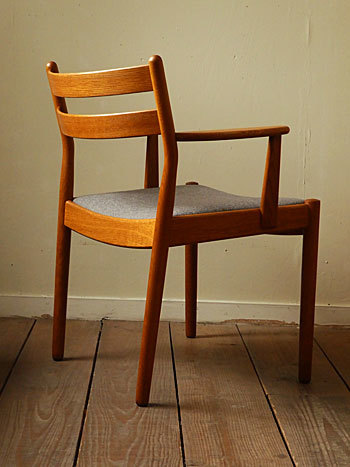 arm chair (Poul M.Volther)①_c0139773_17545770.jpg