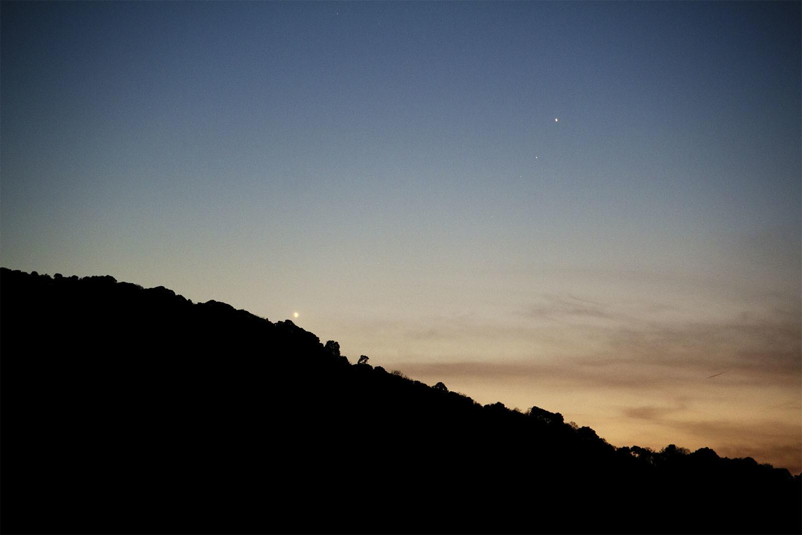 水星と金星接近中! 3月17日の夕方_e0174091_17482712.jpg
