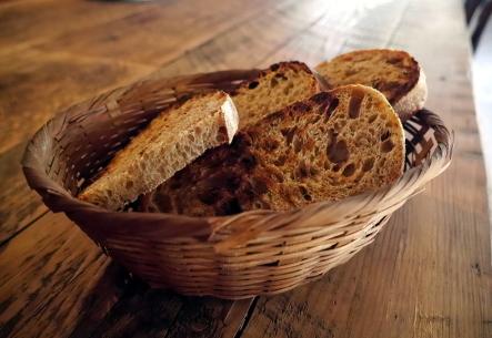 HOVEL kusayama @山里に佇む炭火と石窯料理とパンのお店_b0118001_08425979.jpg