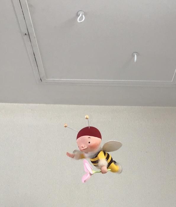 ミツバチ君 病院で飛ぶ_f0395434_00210560.jpg