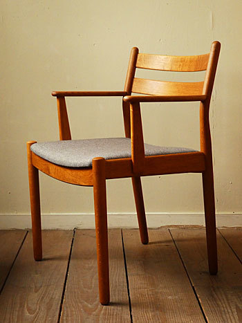 arm chair (Poul M.Volther)②_c0139773_14300557.jpg