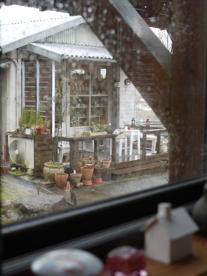 雨の日の月曜日 〜ミモザのある店内〜_c0334574_19112804.jpg