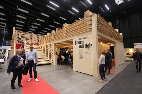 フォアアールベルクは木造住宅建築のレベルが頗る高い_e0054299_17411304.jpg