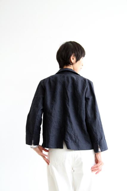 さりげなくネイビーのジャケットで_f0215708_12173522.jpg