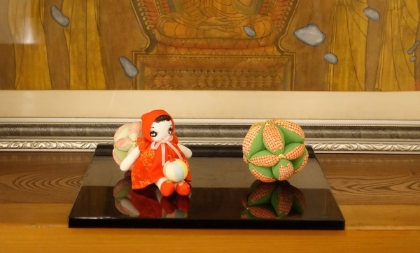 人形と毬_a0133859_15324916.jpg
