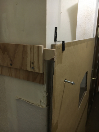 ドア突破されました。_a0028451_12542431.jpg