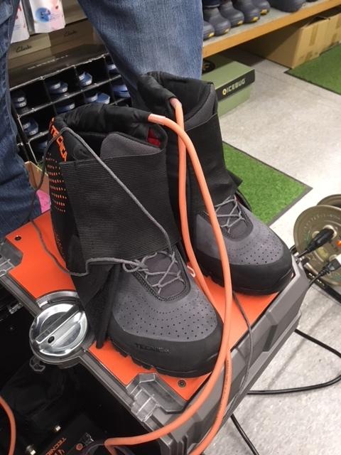 世界初!熱成型できる登山靴_d0198793_11300041.jpeg