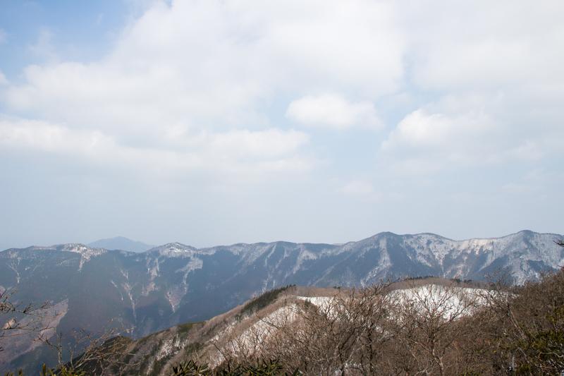 早春の台高山系 明神平・薊岳_b0244811_23060136.jpg