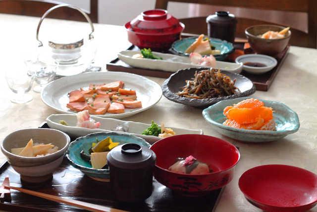初たけのこと里芋饅頭桜餅仕立て_d0377645_23445300.jpg
