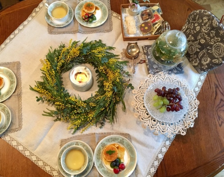 Lace×hand-sewn   素敵な春のテーブルコーディネートに感激♪_a0165160_13571278.jpg