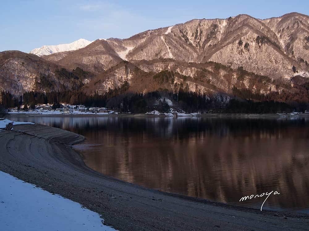 水位が下がっている青木湖_c0085877_06034965.jpg