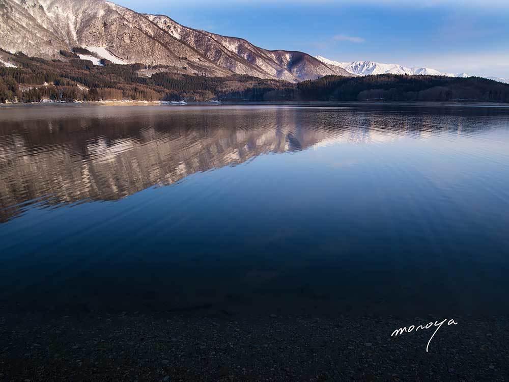 水位が下がっている青木湖_c0085877_06040248.jpg