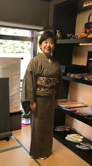 ご来店のお客様・紬の着物に紅型帯・今日も桜の着物と帯_f0181251_18424970.jpg