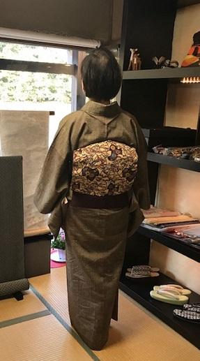 ご来店のお客様・紬の着物に紅型帯・今日も桜の着物と帯_f0181251_18434084.jpg