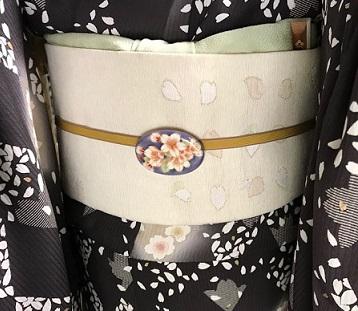 ご来店のお客様・紬の着物に紅型帯・今日も桜の着物と帯_f0181251_18463134.jpg