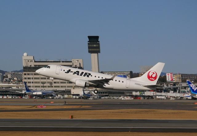 河津桜と飛行機_b0358575_20035750.jpg