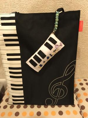 ピアノ型チャーム♡_c0106100_15172103.jpg
