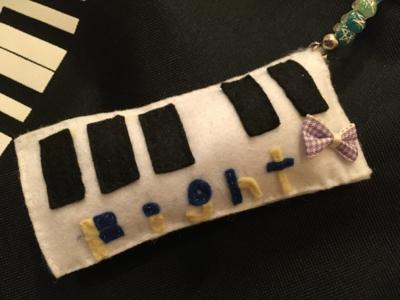 ピアノ型チャーム♡_c0106100_15172211.jpg