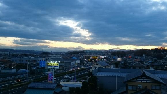 3/22,24  夕暮れ富士山_b0042308_18131217.jpg