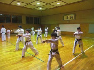 土曜日空手 宮の沢教室・麻生道場_c0118332_23075338.jpg
