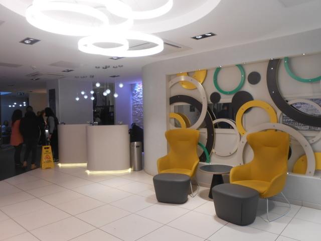 ロンドンの極狭ホテル_b0305039_20220516.jpg