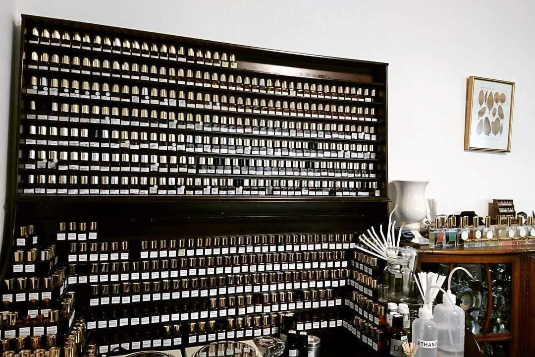 新しい年代の香りを探して_e0334462_08543424.jpg