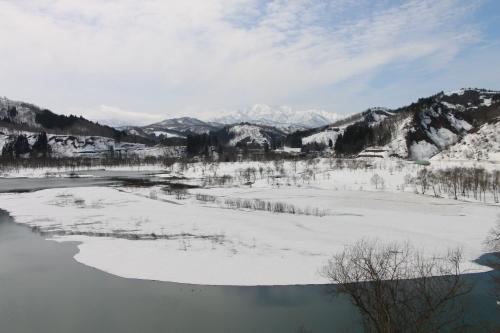 白川湖畔&飯豊山風景:春分・5, 2018.3.21_c0075701_17441669.jpg
