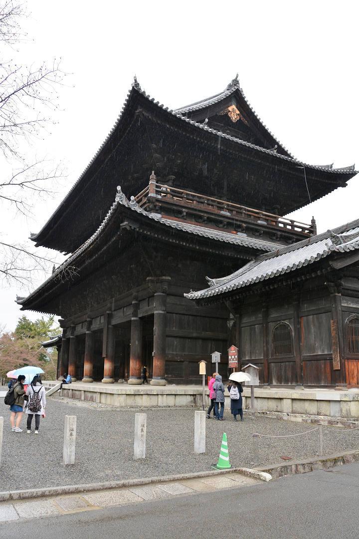 京都を歩く(7)南禅寺、近くでランチに湯豆腐_a0148206_05313640.jpg