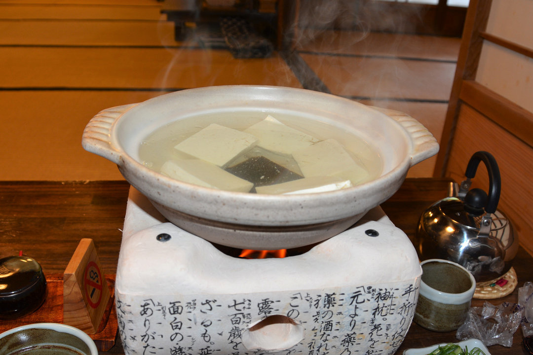 京都を歩く(7)南禅寺、近くでランチに湯豆腐_a0148206_05313697.jpg
