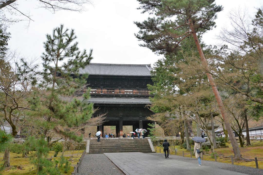 京都を歩く(7)南禅寺、近くでランチに湯豆腐_a0148206_05465739.jpg