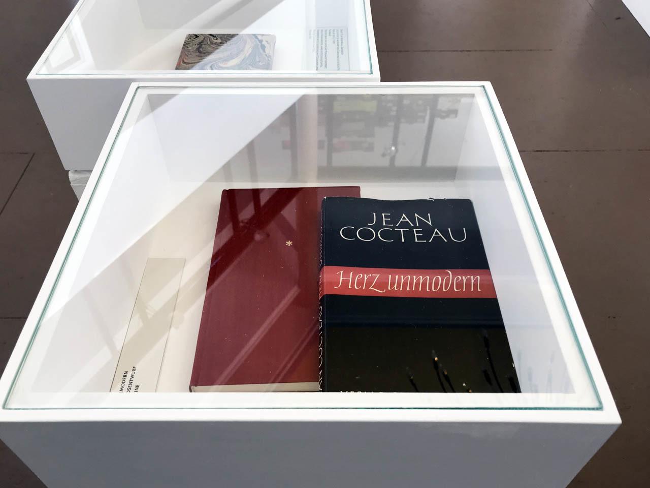 グドルン・ツァップさんの展覧会、ダルムシュタットで4月15日まで_e0175918_02582592.jpg