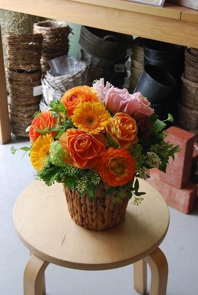 花贈りのお手伝いいたします。_a0201358_18304814.jpg
