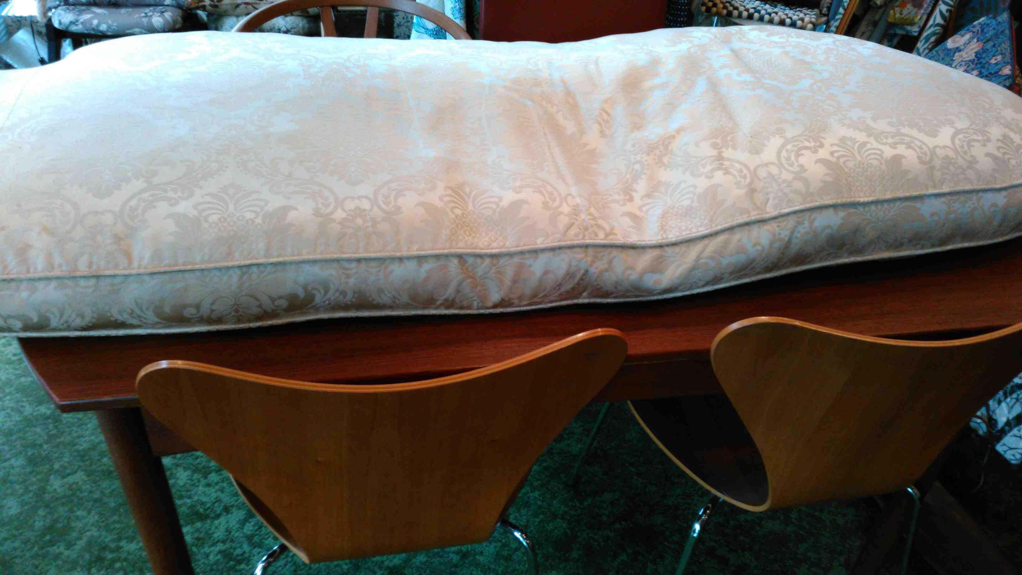ソファと椅子のクッションクリーニング_c0157866_19482446.jpg