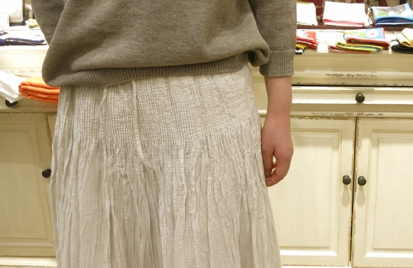 maison de soil から、ボイルチェック生地のピンタックドレスが届いてます。_c0227633_17355161.jpg