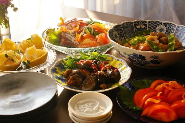 今日の夕食:春巻き と人参飾り切り(蝶々)_d0327373_17270710.jpg