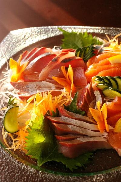 今日の夕食:春巻き と人参飾り切り(蝶々)_d0327373_17272083.jpg