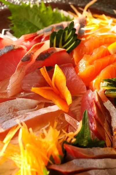 今日の夕食:春巻き と人参飾り切り(蝶々)_d0327373_17273133.jpg