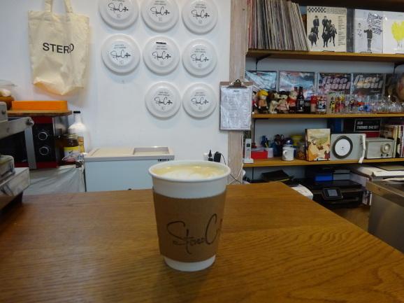 2018年福岡 STEREO COFFEEさんでラテ_e0230011_17350968.jpg