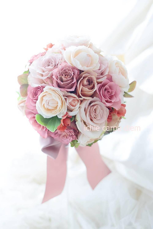 ラウンドブーケ 明治記念館様へ セピアピンクと紅茶のバラだけで_a0042928_10570764.jpg
