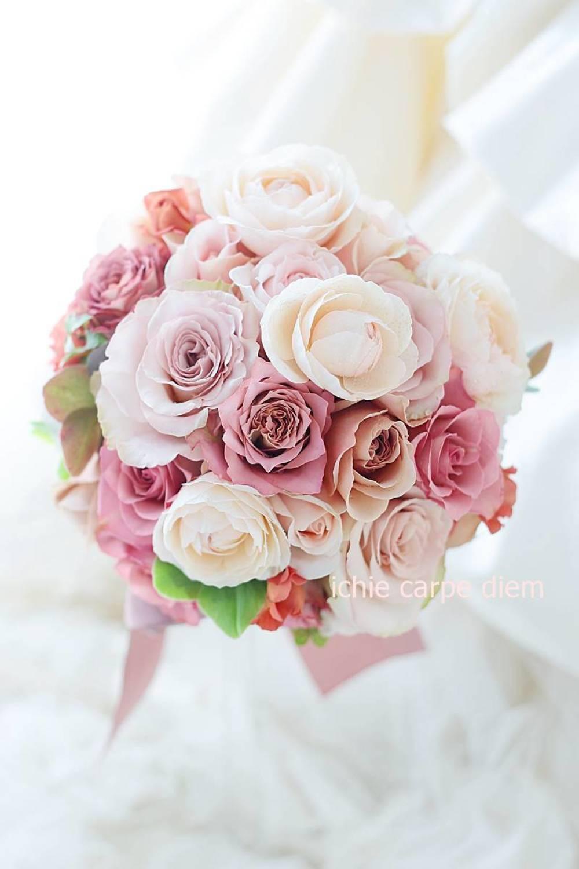 ラウンドブーケ 明治記念館様へ セピアピンクと紅茶のバラだけで_a0042928_11023143.jpg