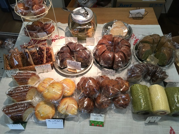 バイモユリとハシバミさんの焼き菓子day♪_b0100229_11122458.jpg