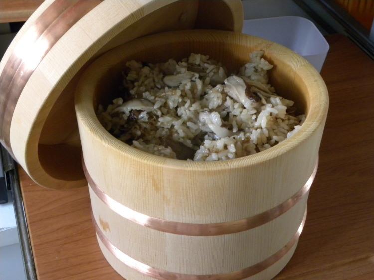 椎茸の炊き込みご飯定食_c0162773_11200848.jpg