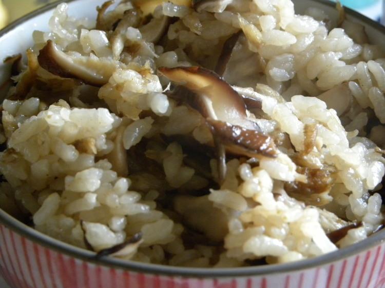 椎茸の炊き込みご飯定食_c0162773_11245425.jpg