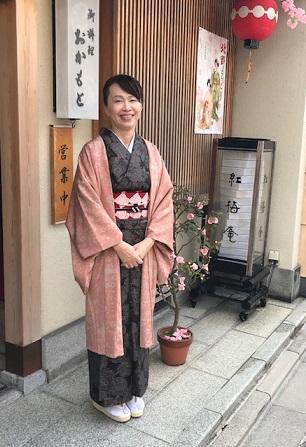 北野をどり・地元京都のお客様・おかもとさんの紅梅弁当_f0181251_1861483.jpg
