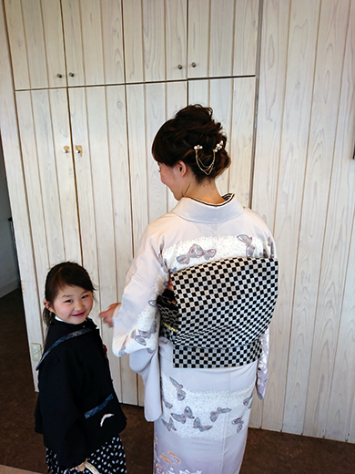 センス抜群☆おしゃれなママの上品着物姿は卒園式に華をそえます_b0098077_09431749.jpg