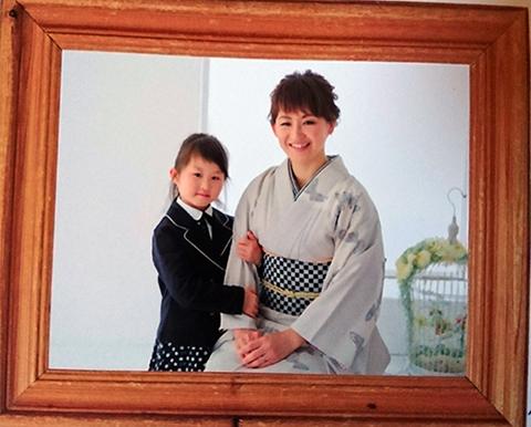 センス抜群☆おしゃれなママの上品着物姿は卒園式に華をそえます_b0098077_09440922.jpg