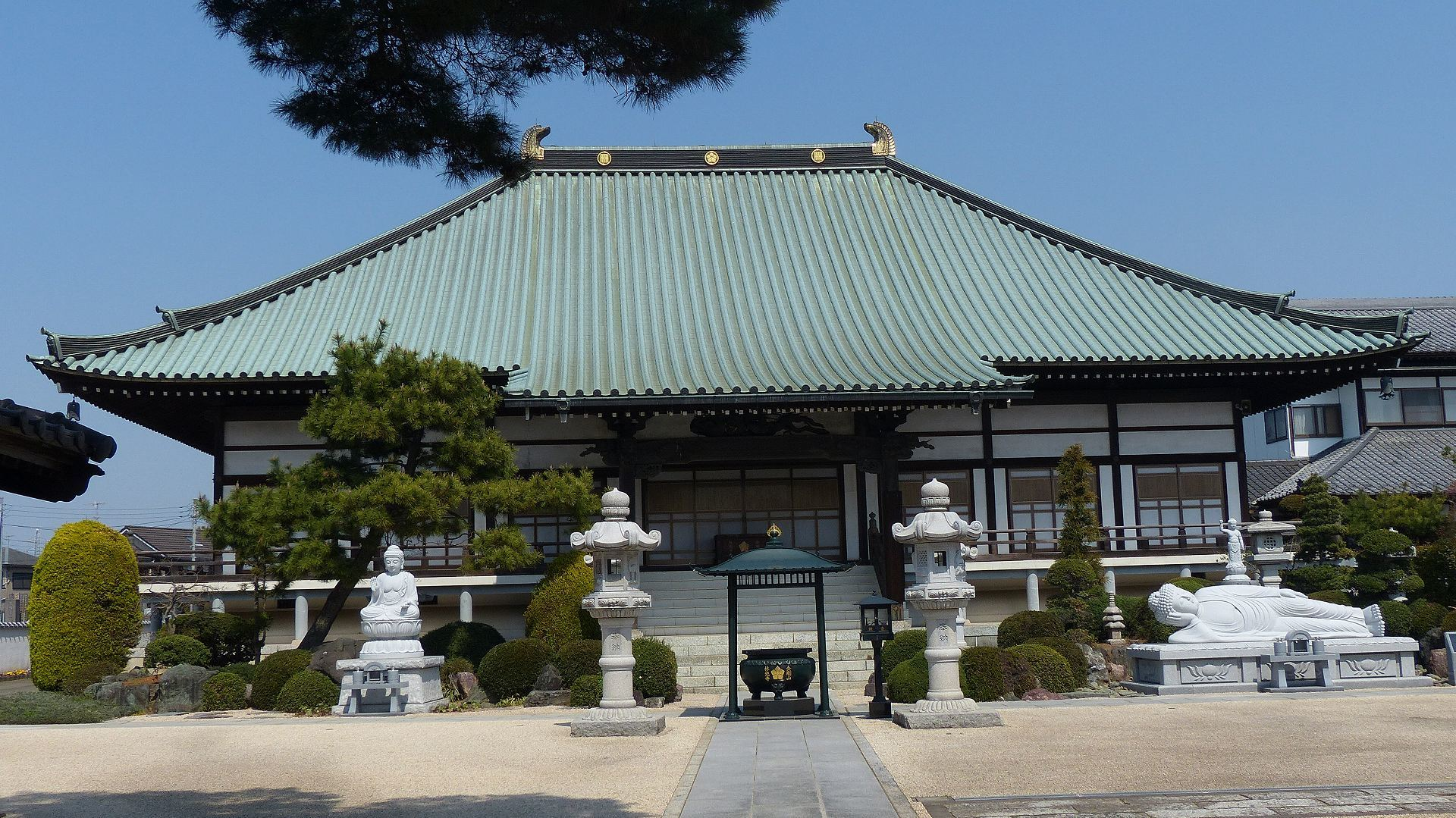 花見のあとは社寺を巡る_a0185081_13483622.jpg