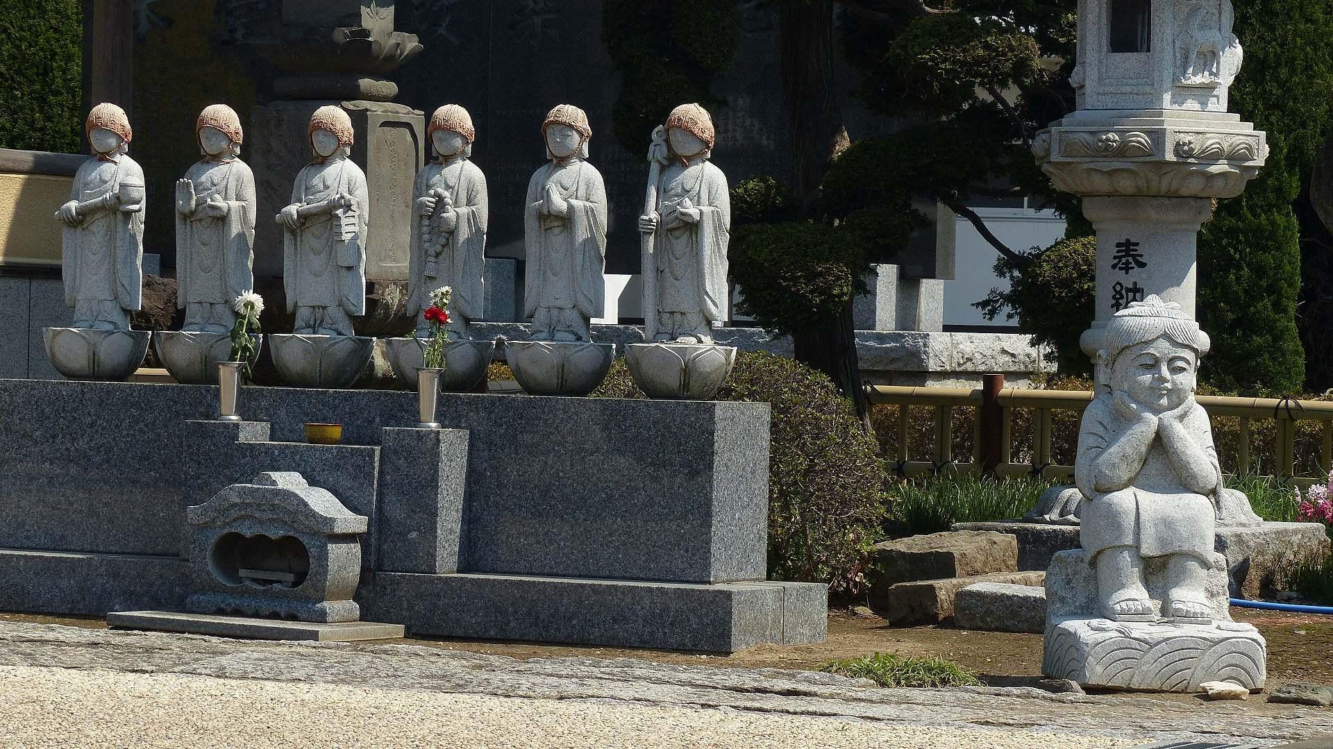 花見のあとは社寺を巡る_a0185081_14161936.jpg