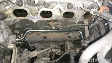 215 ハイラックスサーフ水漏れ修理 ウォーターパイプ交換(*・ω・)_c0213517_14055140.jpg