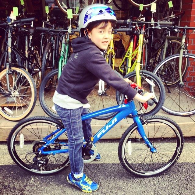 『LIPIT KIDS』KIDS キッズバイク おしゃれ子供車 おしゃれ自転車 オシャレ子供車 子供車 リピトデザイン トーキョーバイク マリン ドンキーjr コーダブルーム_b0212032_18100720.jpg